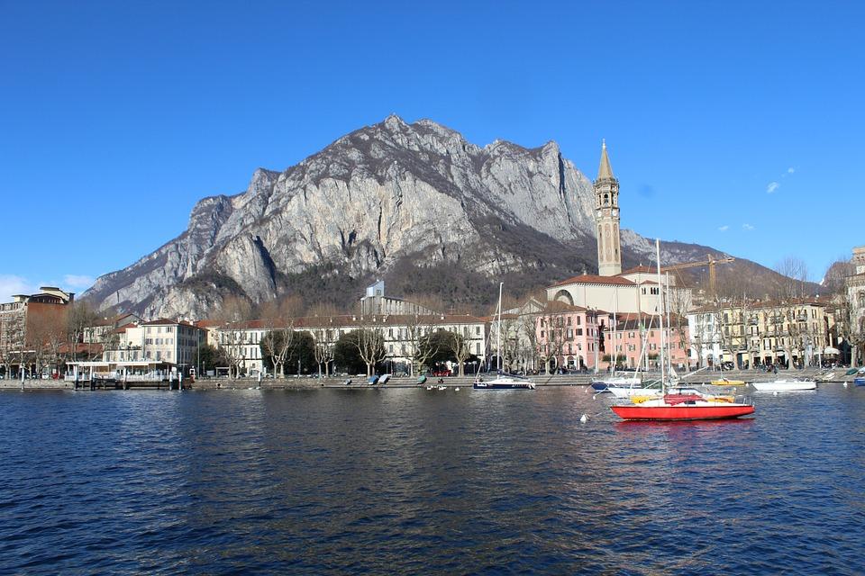 Panorama di Lecco sul Lago