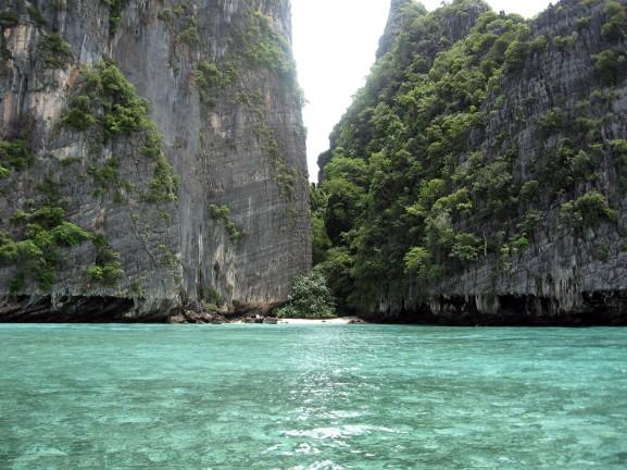 Caletta a Phi Phi Island nei pressi di Krabi in Thailandia, ilViaggio.it immagini